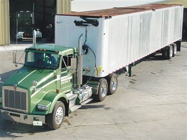 Donovan Sidewinder transfer trailer tarp system in the closed position.